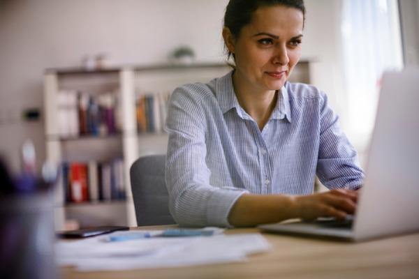 Freelance member of IPSE at desk